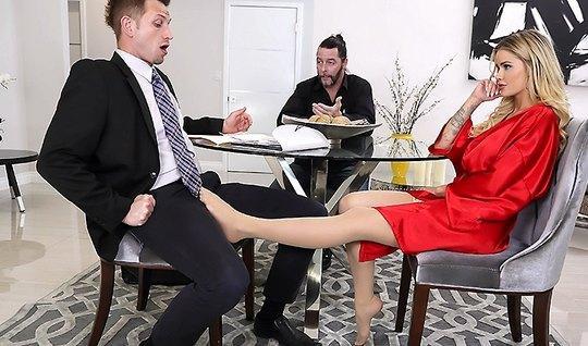 Пока мужик ушёл за документами друг трахнул его жену...