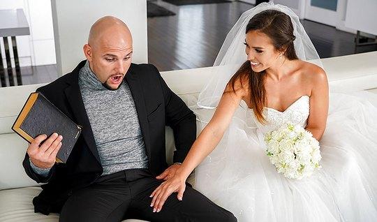 Развратная невеста изменила мужу прямо на свадьбе...