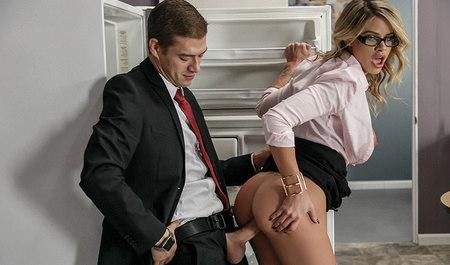 Порно раком в офисе смотреть