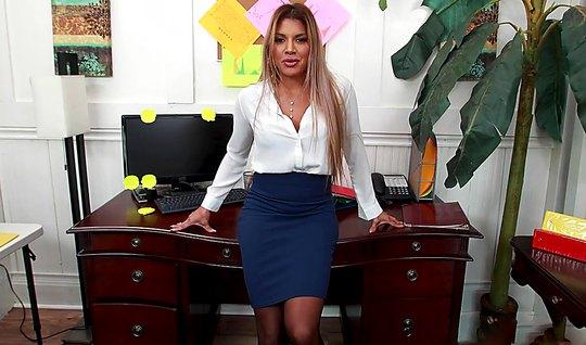 Зрелая мамка от первого лица оттрахала сексуального босса и ...