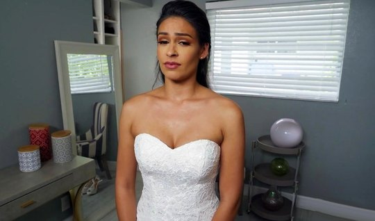 Девушка в белых чулках перед свадьбой трахается с женихом от...
