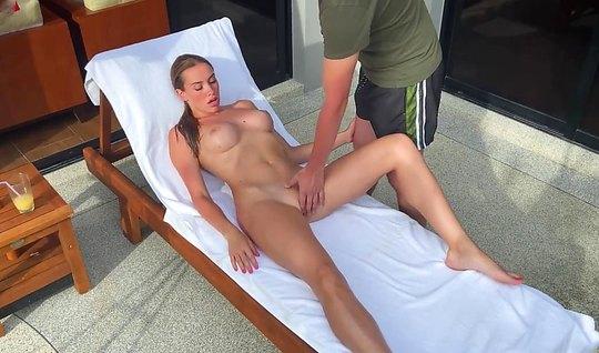 Русская девушка с большими сиськами после массажа согласилас...
