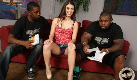 Межрасовый секс Тиффани Долл с черными парнями из Камеруна