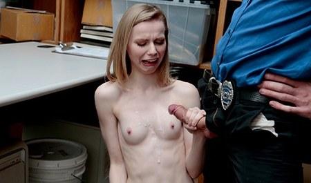 Наказание в офисе порно